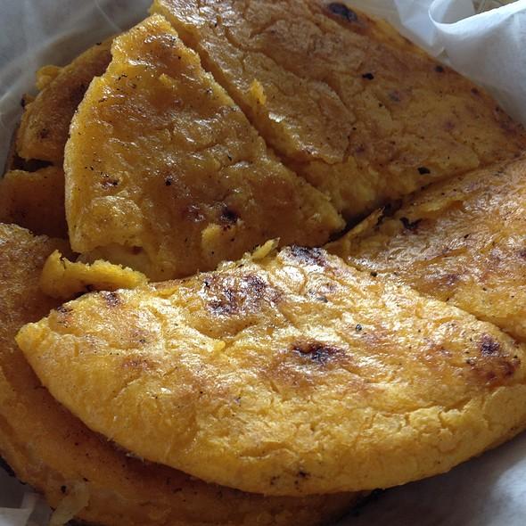 Arepa con queso @ Los Arrieros