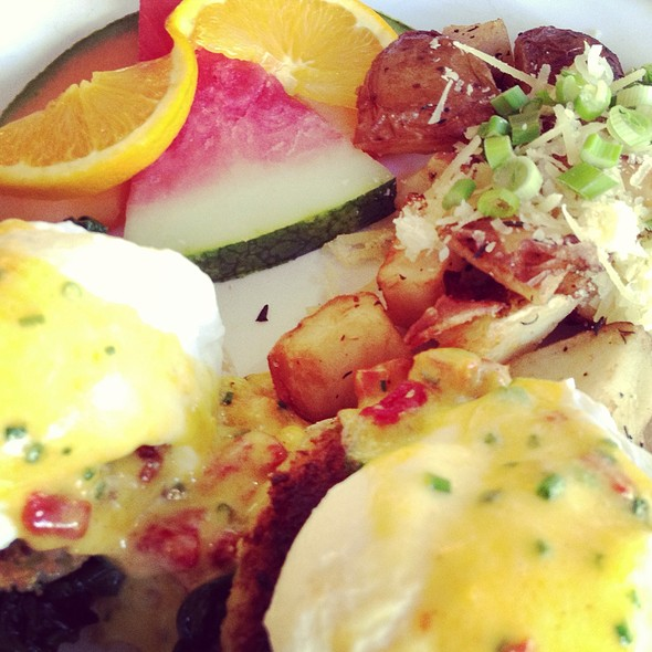 Crabmeat benedict - Magic Flute, San Francisco, CA