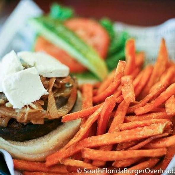 Goat Cheese Burger @ Gilbert's 17th Street Grill