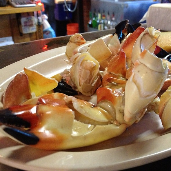 Stone Crab Claws @ Gary's Oyster Bar & Seafood House