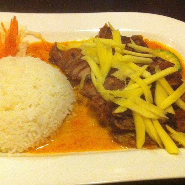 Crispy Duck In Yellow Curry @ Hoan Kiem