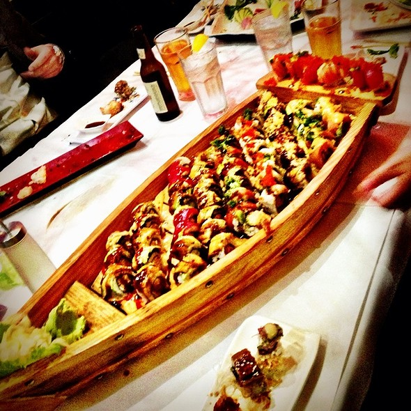 Love Boat Sushi @ Amura Japanese Restaurant & Sushi