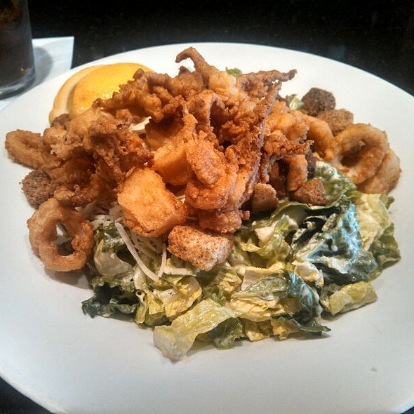 Hill Cesar Salad With Fried Calamari