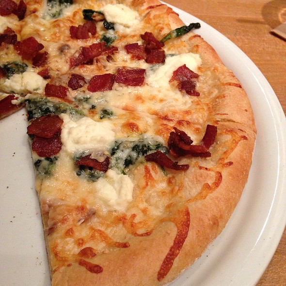 White Cheese Pizza with Applewood Smoked Bacon