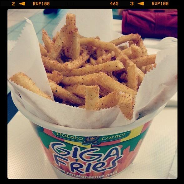 BBQ + Sour Cream = Heaven! Nom! Nom! @ Potato Corner