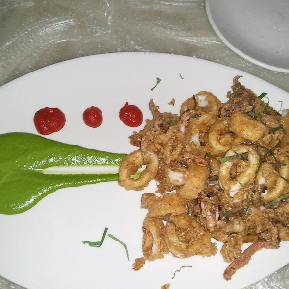 Crunchy Calamari @ Reef