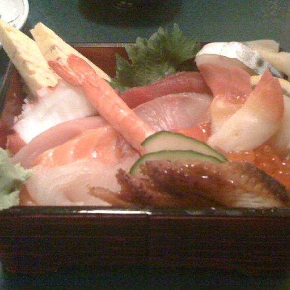 Chirashi Sushi @ Miyabi Restaurant