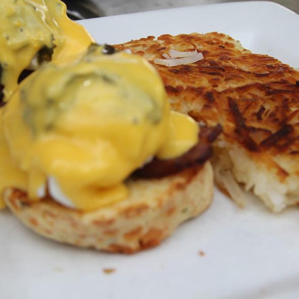 Eggs Benedict @ Cheeky's