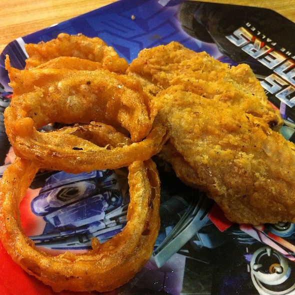Fried Chicken W/ Beer Battered Onion Rings