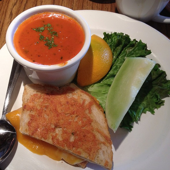 Grilled Cheese And Roasted Tomato Basil Soup @ Mimi's Cafe