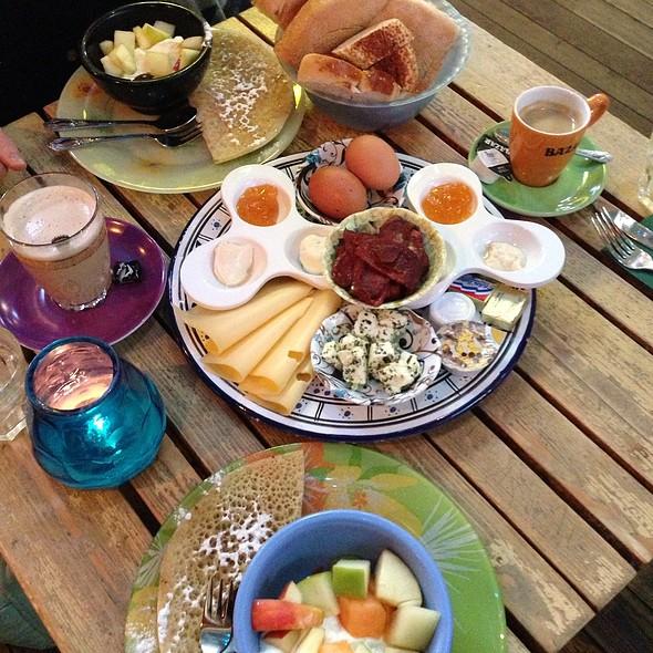 Breakfast @ Bazar
