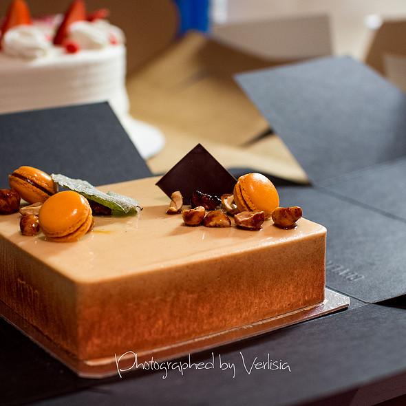 Pumpkin, Praline & Chocolate Cube Cake