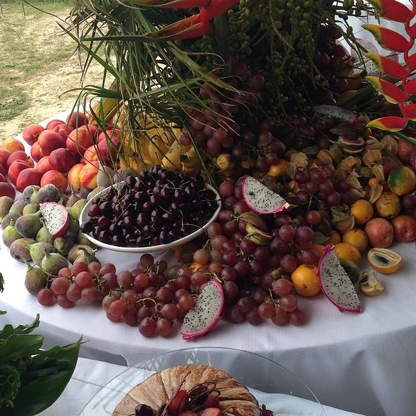 Frutas Frescas @ Costao Do Santinho