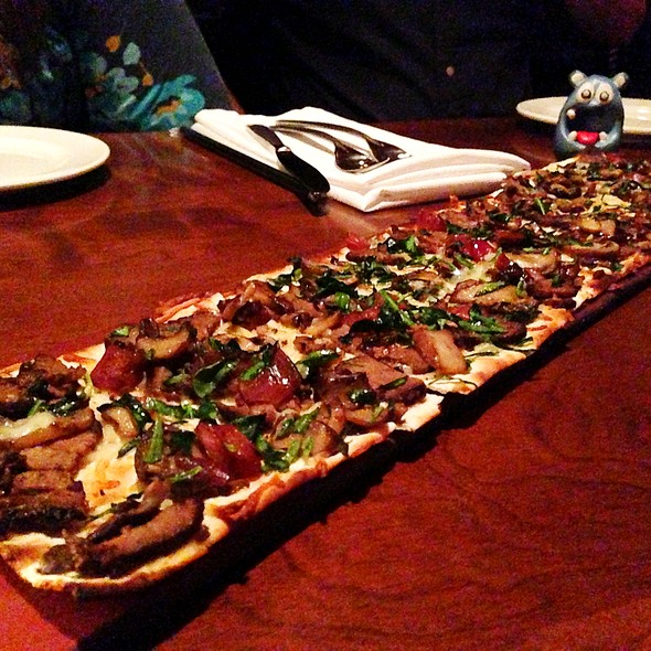 Steak & Cremini Mushroom Flatbread - Seasons 52 - North Bethesda, North Bethesda, MD