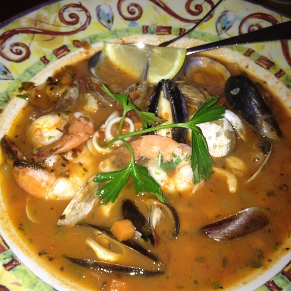 Cioppino @ The Pink Door