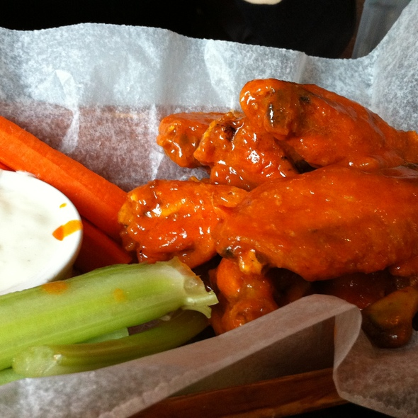 Buffalo Wings @ Wogies Bar & Grill