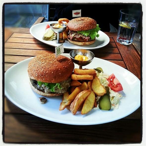 Bozo Burger