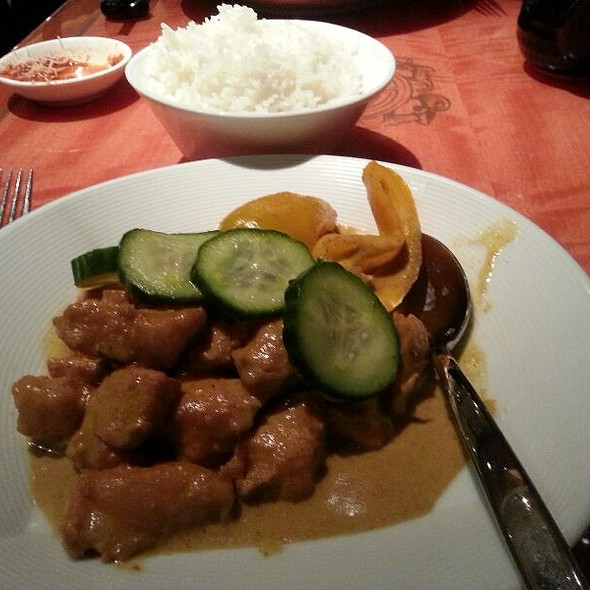 Red Curry Chicken @ The Grand Wok & Sushi Bar