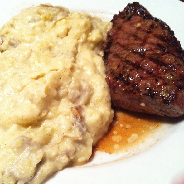 Steak With Garlic Smashed Potatoes