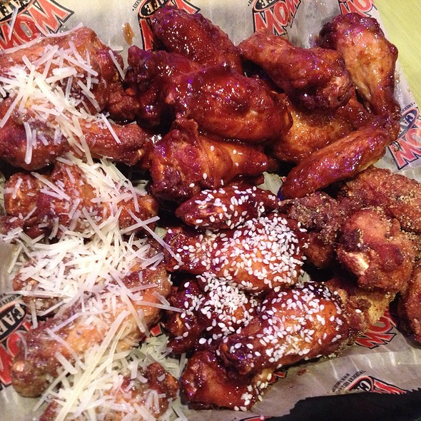 30 Wing Sampler @ WOW Cafe & Wingery