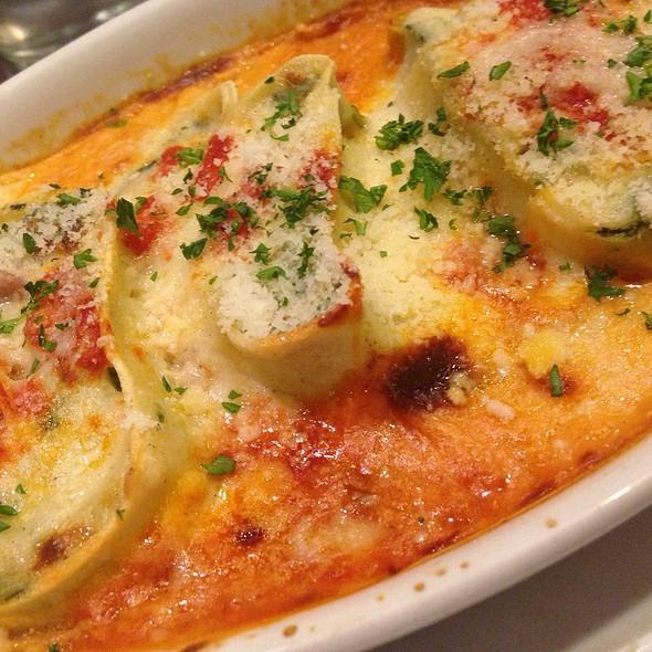 Spinach Cannelloni @ Va Bene Pasta Deli