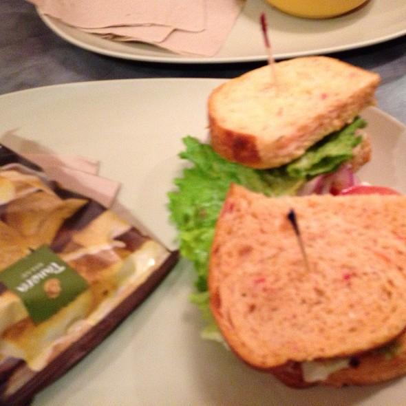 Mediterranean Vegetarian Sandwich
