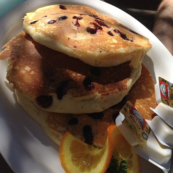 Blueberry Pancakes @ From Scratch