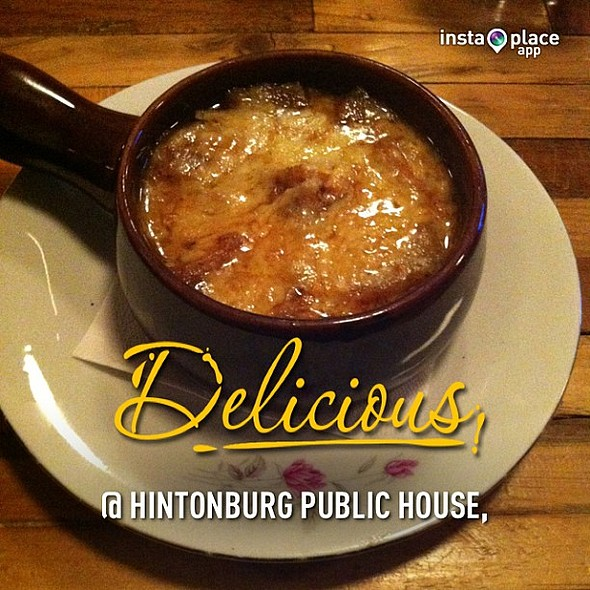 Delicious French onion soup on a cold day. @instaplaceapp