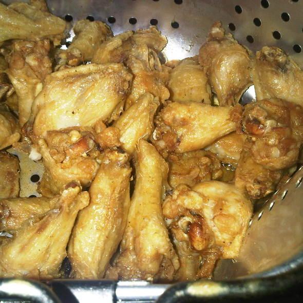 Chicken Wings @ Zingula cucina