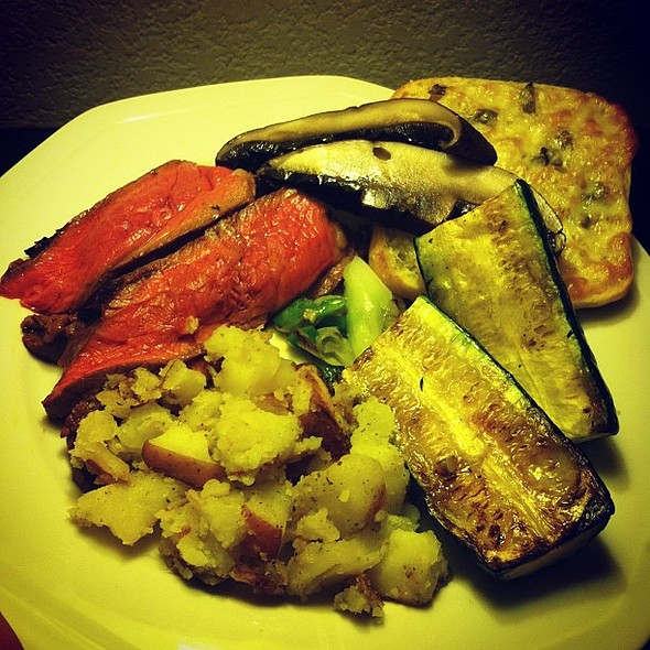 Grilled London Broil with Grilled Vegetables, Garlic-Ranch Potatoes and Garlic-Basil Parmesan-Provolone Ciabatta Bread. @ Giannotti's Bistro & Grille