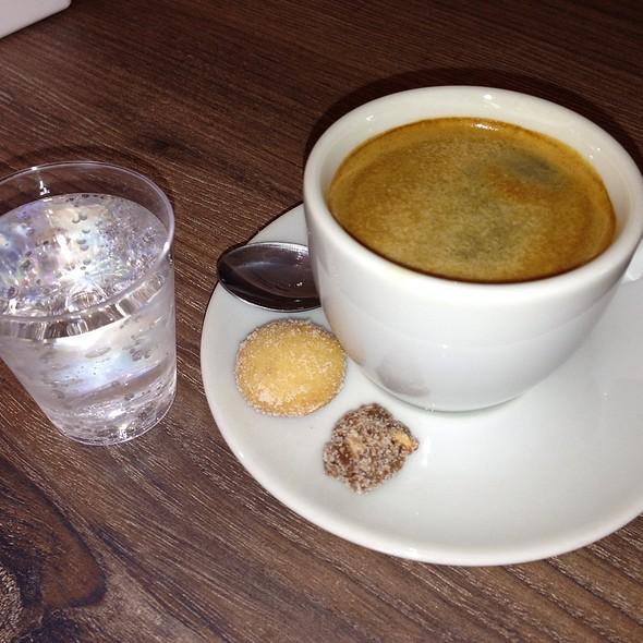 Espresso @ Maria Amélia Cafeteria