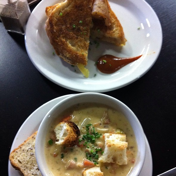 Chowder And Pear Grilled Cheese