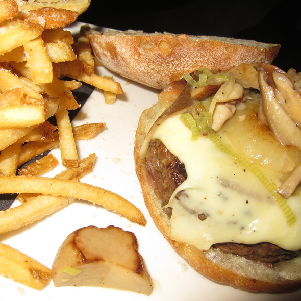 Beef Burger @ Asellina Ristorante