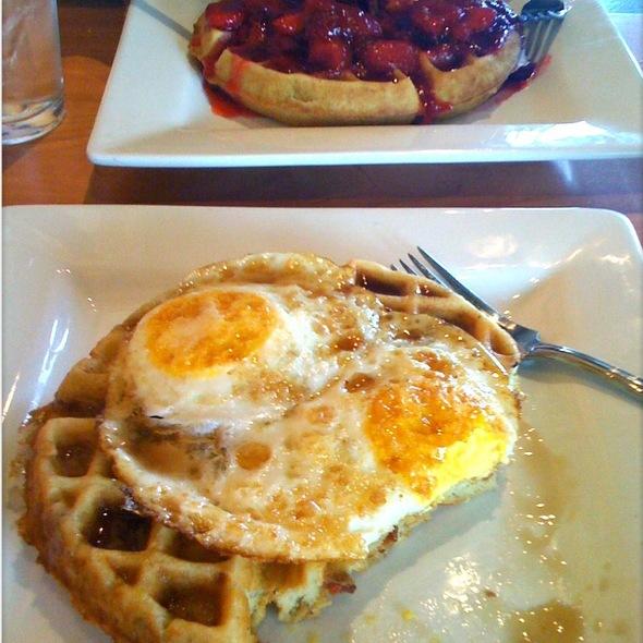 Bacon waffle @ Cafe Murrayhill