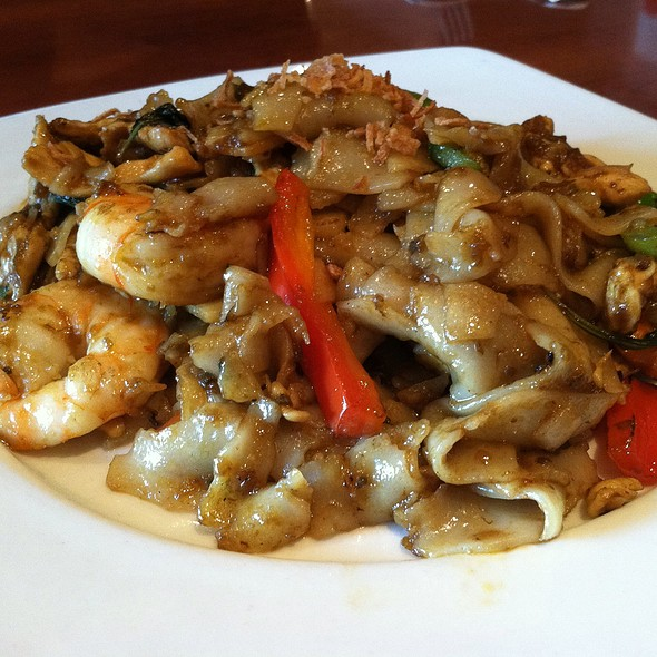 Thai Basil Noodle - Rasa Sayang, Wilmington, DE