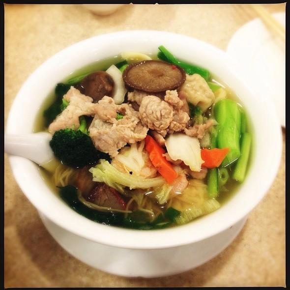 Wor Won Ton Noodles In Soup