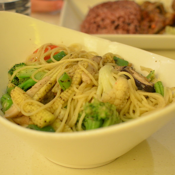 Vegetables with Truffle Angel Hair Pasta @ Fruit Stop Health Food Restaurant - Causeway Bay