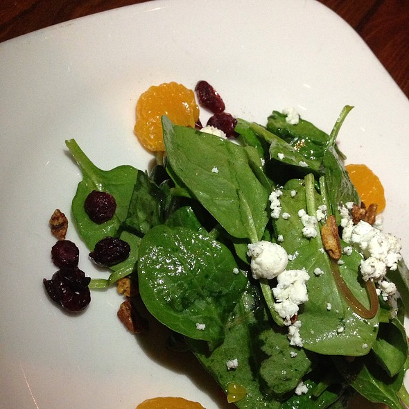 Spinach Salad With Goat Cheese, Dried Cranberries, Grilled Chicken And Walnuts