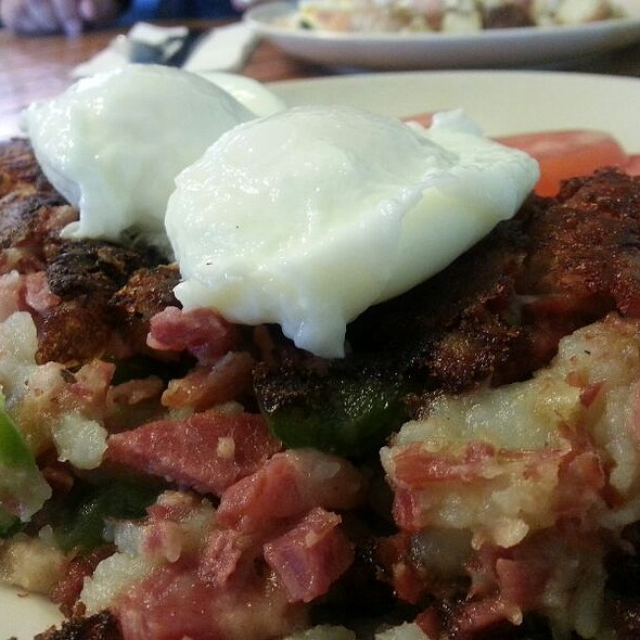 Corned Beef Hash @ Anchorage 5