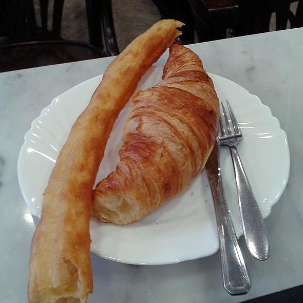 Porra and croissant @ Granier