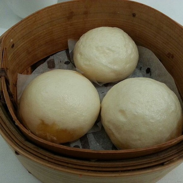 Steamed Duck's Egg Yolk Bun @ Pearl Bayview Chinese Cuisine