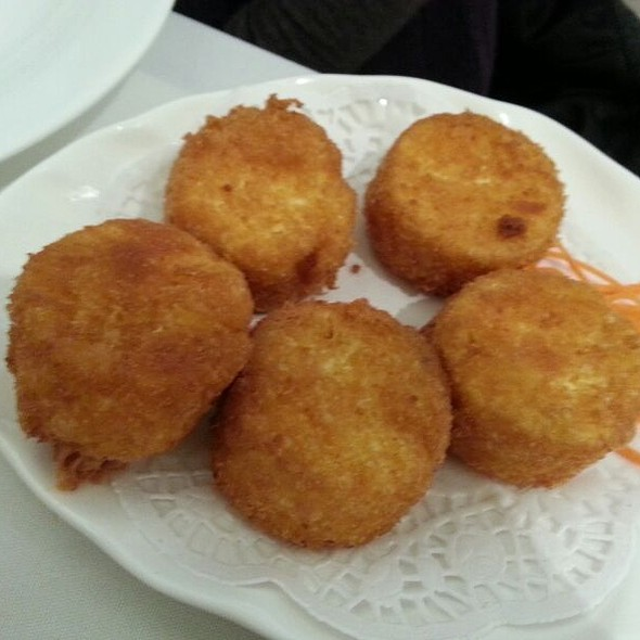 Deep fried egg bean curd @ Pearl Bayview Chinese Cuisine
