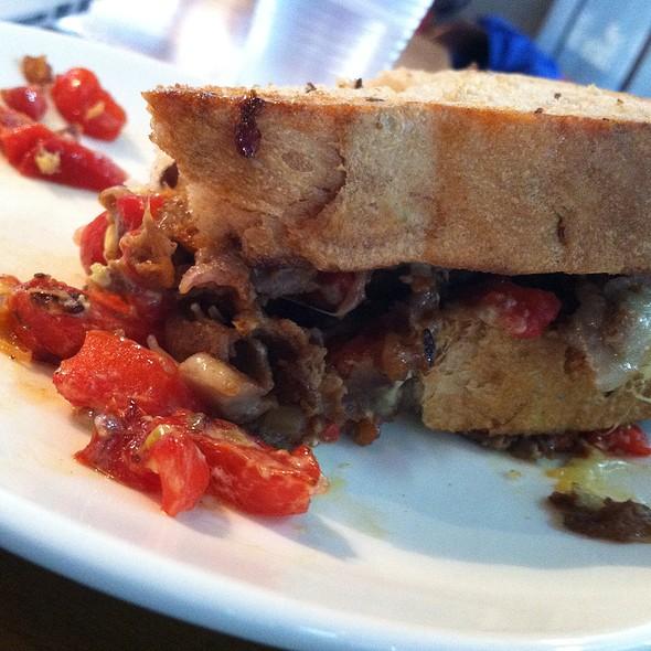 Roast Beef & Red Pepper Sandwich