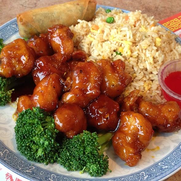 Crispy Honey Chicken @ Sunny Garden Restaurant