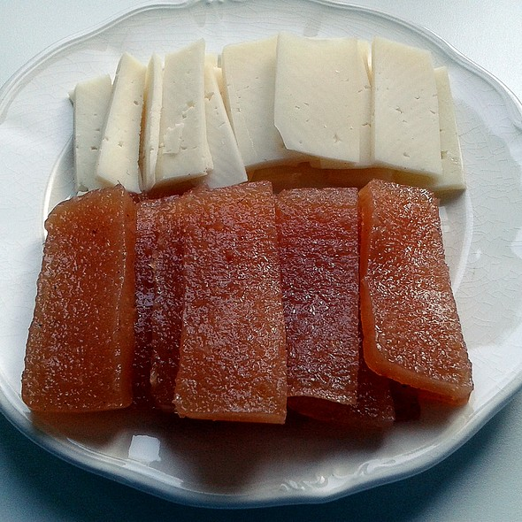 Asturian cheese and quince paste @ Churchilita solita