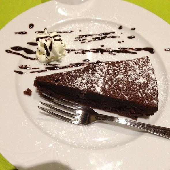 Torta Caprese @ Pizzeria Ristorante Verace