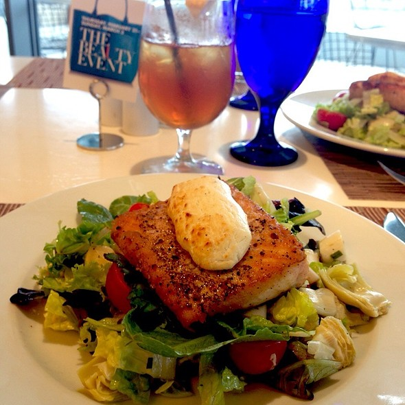Grilled Salmon Salad @ Mariposa Neiman Marcus