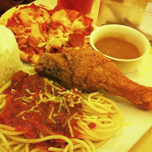 Chicken, Pasta, Pizza @ Greenwich - SM Megamall, 4th Level