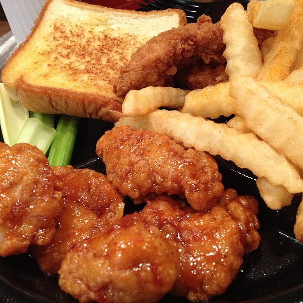 Boneless Wings And Things @ Zaxby's