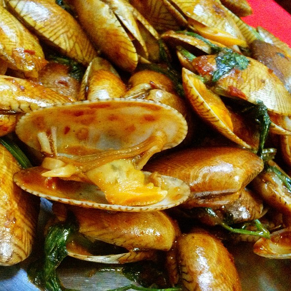 Braised Clams With Chilli Sauce @ Restaurant Teochiew